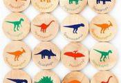 Your favorite dinosaurs in a lovely, reusable travel tube!  Tree Hopper Toys bri...