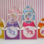 My Little Pony Party ! This listing is for 10 charming My Little Pony favor boxe...
