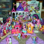 My Little Pony toys!! I want it!! I probobly have this many, but not all the sam...
