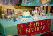 frozen birthday party. free printable and ideas for a dessert table. www.anytots...
